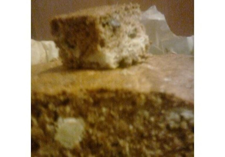 Ciasto z orzechami, jabłkami i cynamonem
