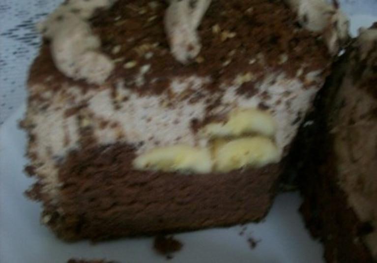 Czekoladowe  z masą śmietanowo czekoladową i bananami