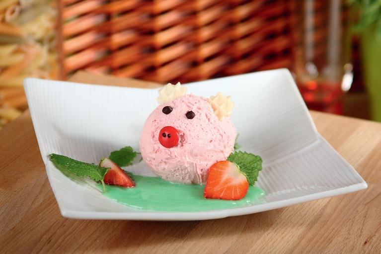 """Deser z lodami truskawkowymi """"Świnka"""""""