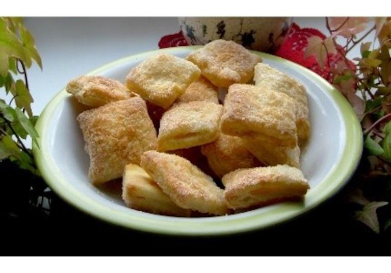 Domowe ciastka francuskie z cukrem