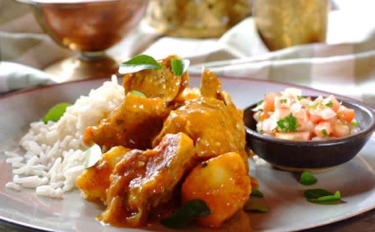 Duszona wieprzowina w sosie curry