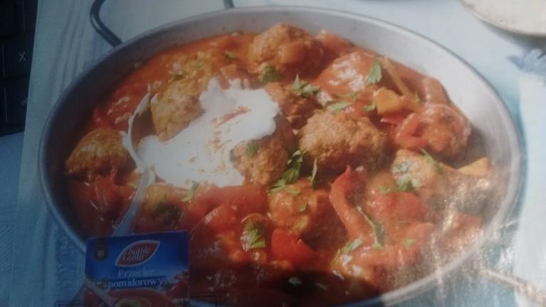 Kofty w sosie pomidorowym
