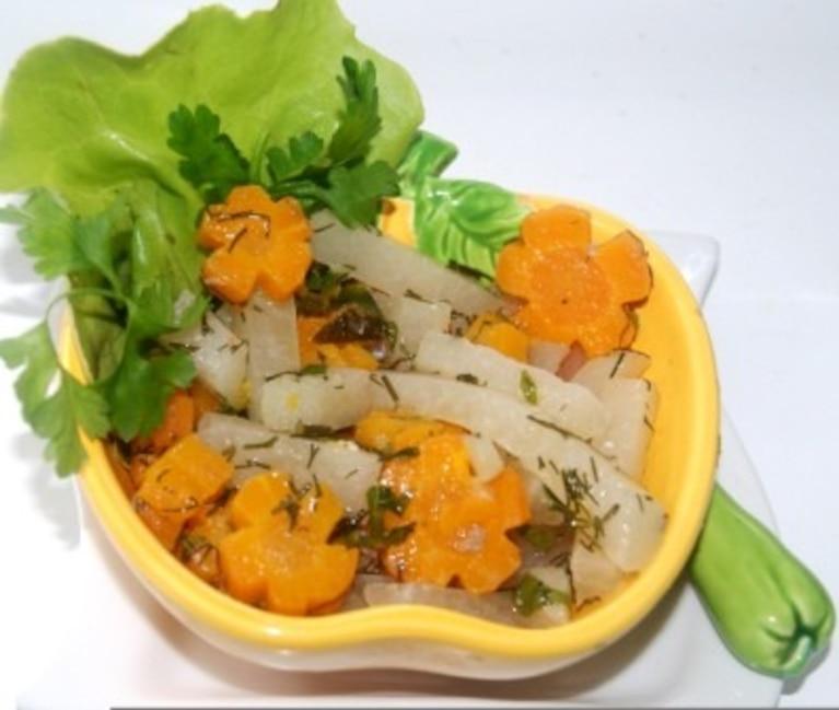 Jarzynka z marchewki i kalarepki