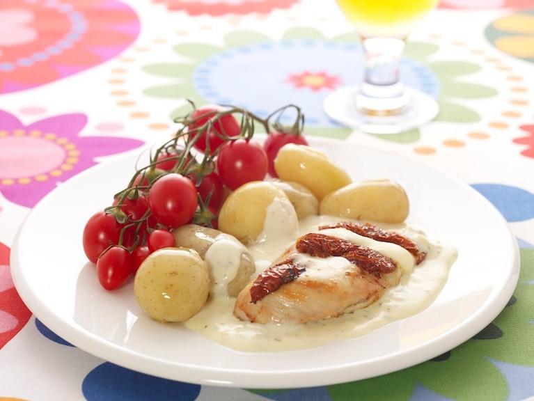 Kieszonki z kurczaka z pomidorami i mozarellą