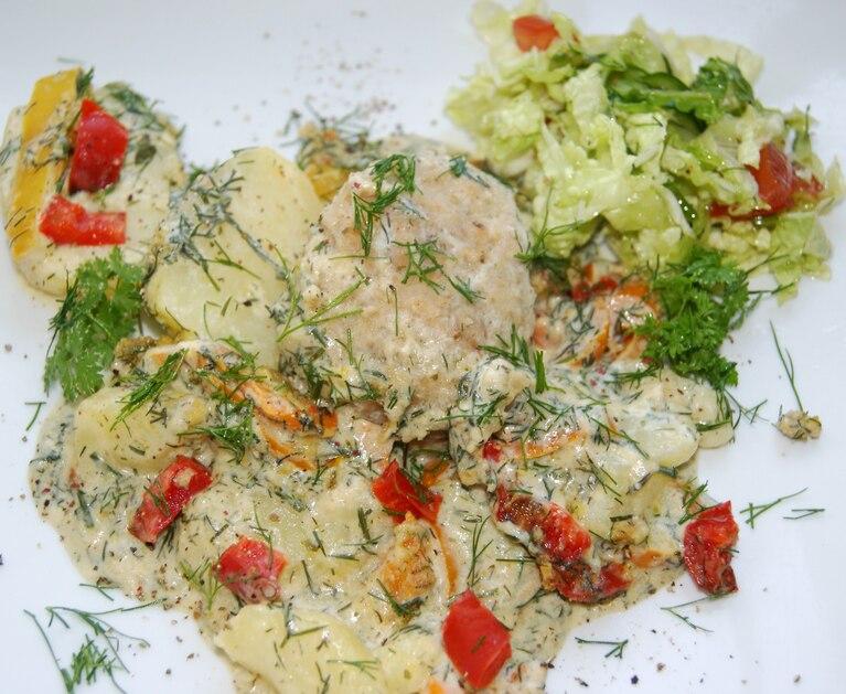 Kotlety rybne zapiekane z ziemniakami
