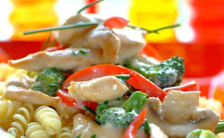 Kremowy kurczak z warzywami