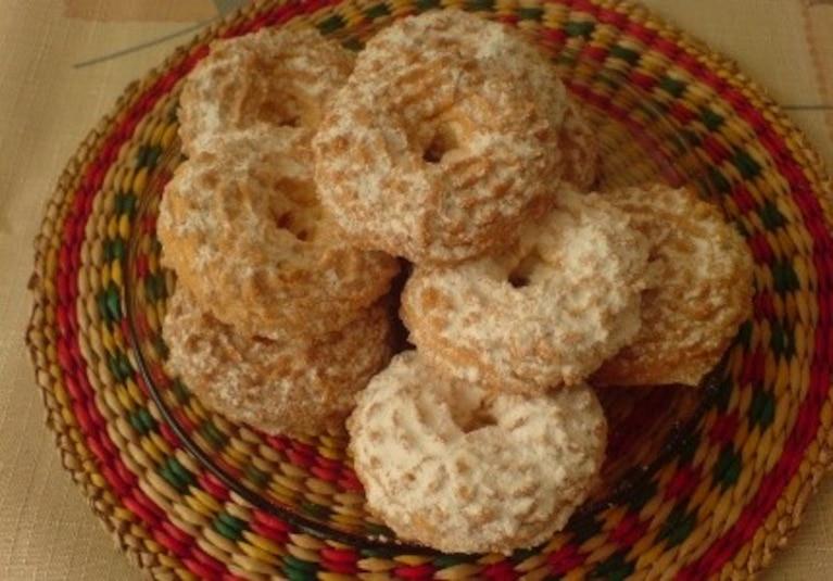 kruche ciasteczka z pudrem:)