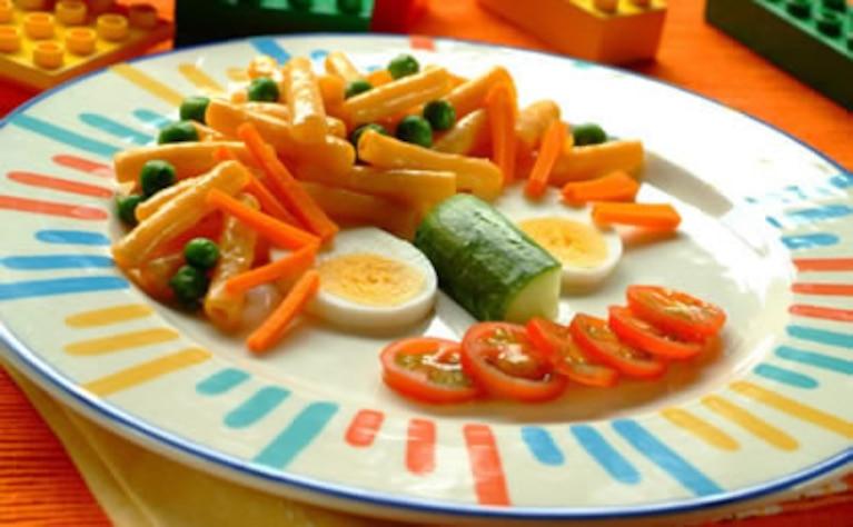 Makaron z warzywami dla dzieci