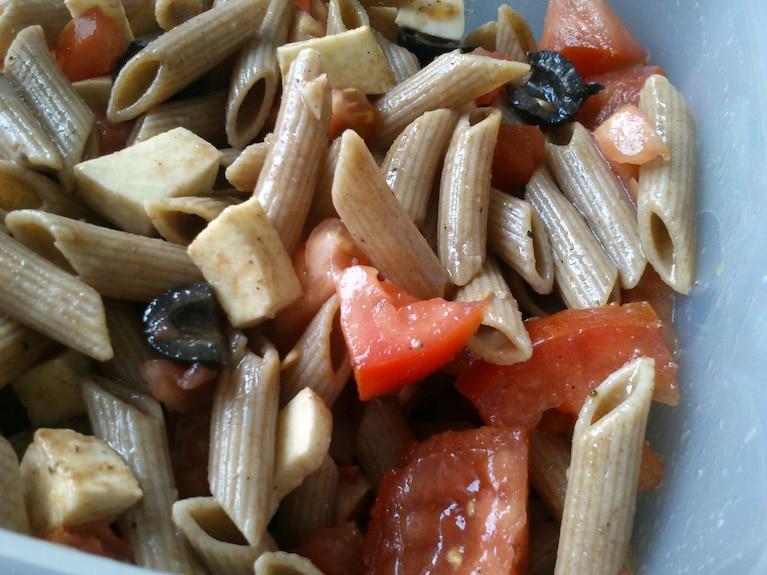 Makaronowa sałatka włoska