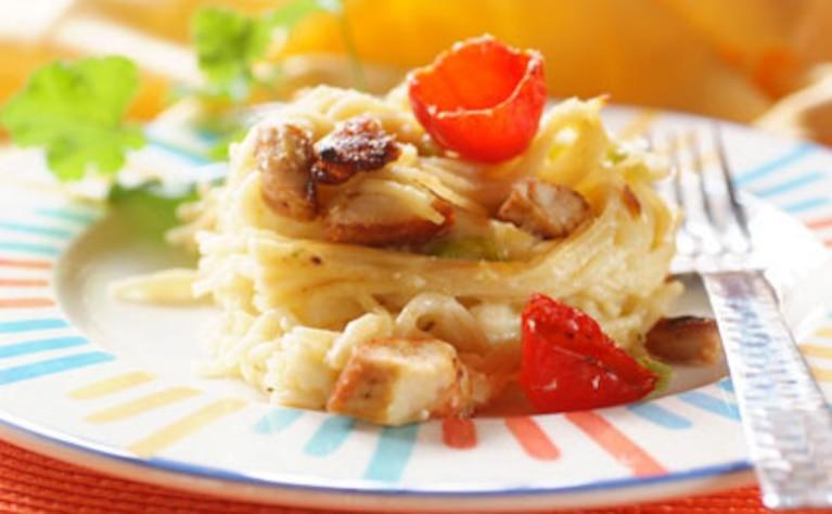 Makaron z kurczakiem i pomidorkami cherry