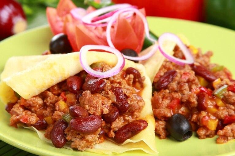 Meksykański przekładaniec z wołowiną