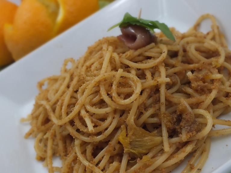 Pomarańczowe spaghetti z anchois