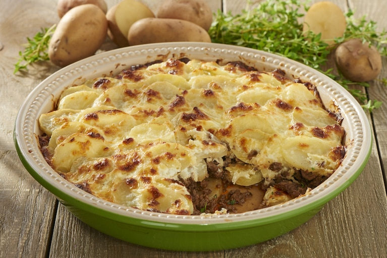 Zapiekanka z mielonego mięsa i ziemniaków