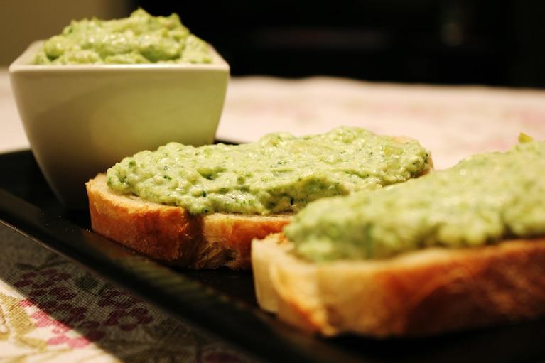 Przepis karnawałowy: Pasta z brokułów i fety