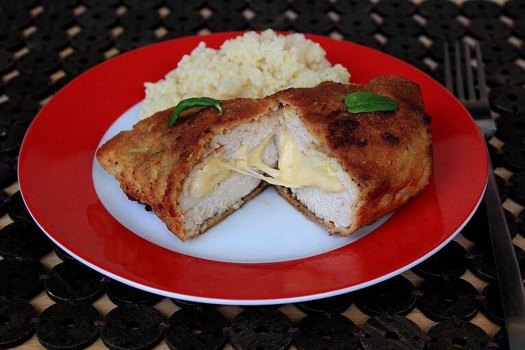 Roladki z żółtym serem i czosnkiem