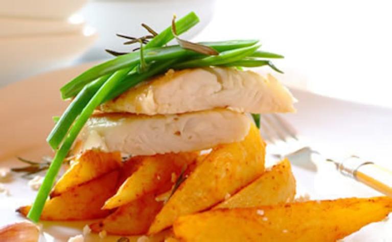 Ryba z zapieczonymi ziemniakami