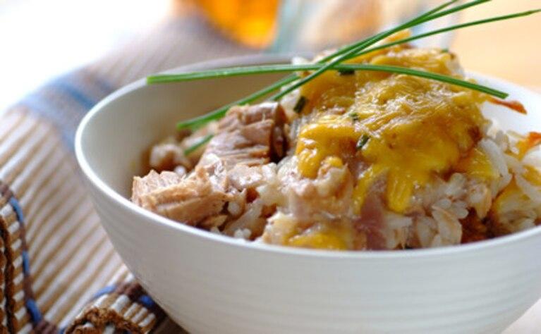 Ryżowa zapiekanka z tuńczykiem
