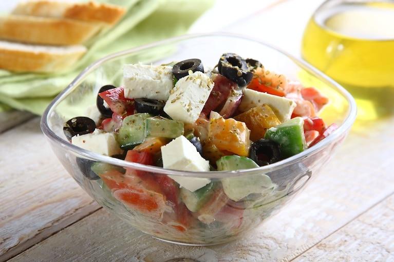Sałatka grecka z jogurtem