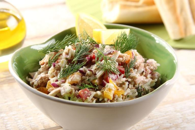 Sałatka śródziemnomorska z ryżem