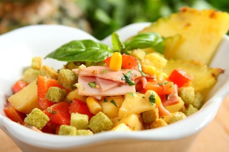 Salatka Z Ryzem I Ananasem Przepis Zobacz Na Przepisy Pl