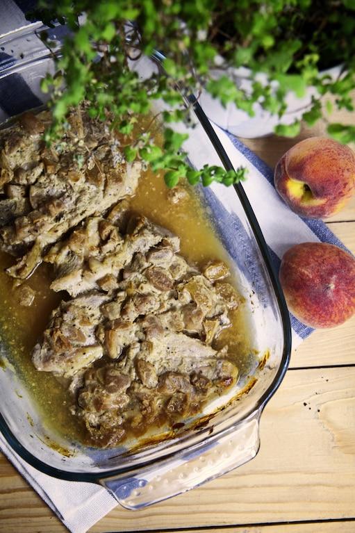 Schab pieczony z brzoskwinią