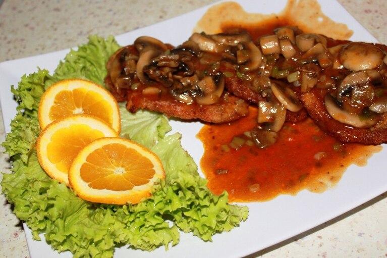 Schab z pieczarkami w sosie Chińskim