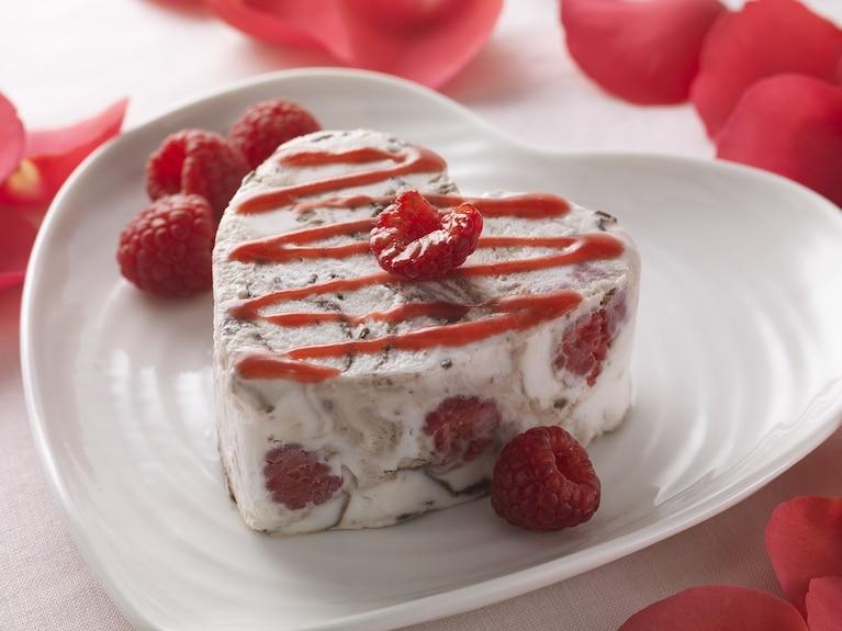 Malinowy deser lodowy dla zakochanych