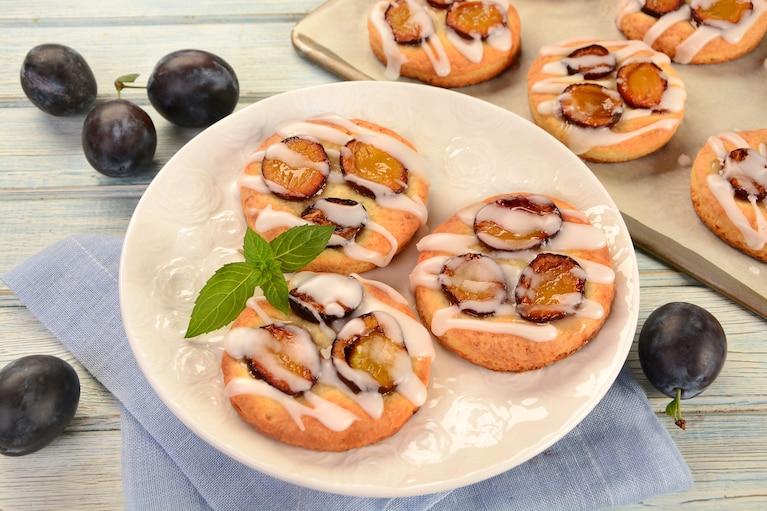 Serowe ciasteczka ze śliwkami