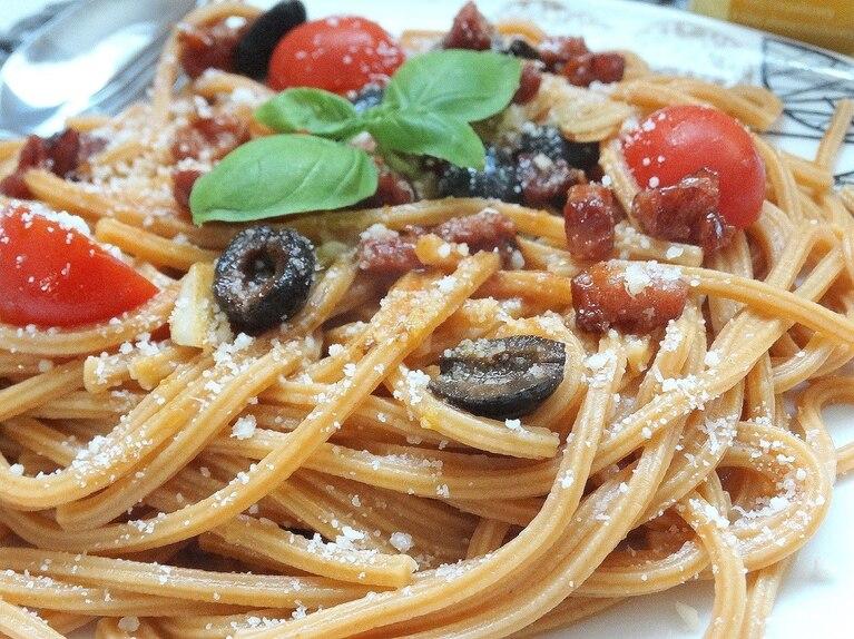 Spaghetti al Peperoncino z łagodnym sosem