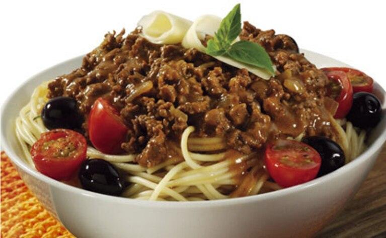 Spaghetti Bolognese z oliwkami