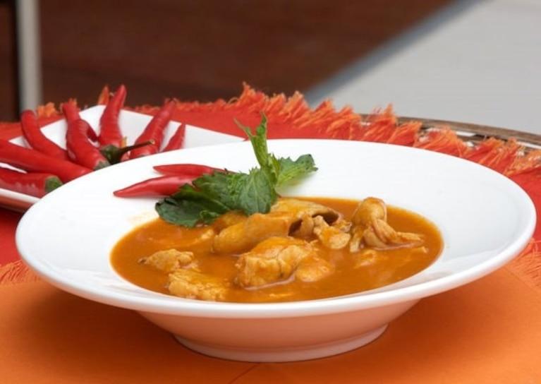Tajska zupa curry z kurczakiem