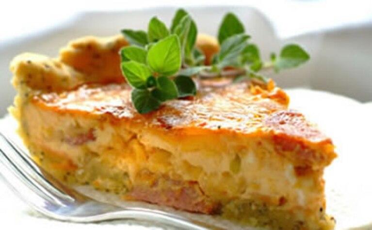 Tarta z salami i serem