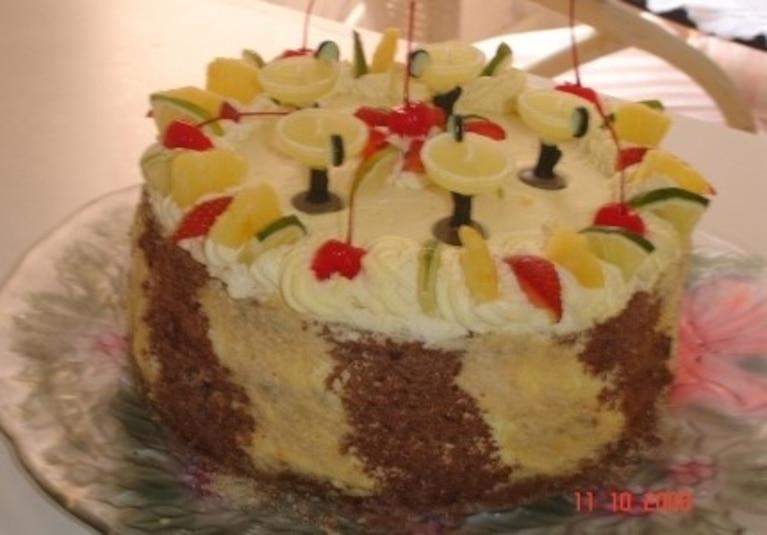 Tort czekoladowy z ananasem