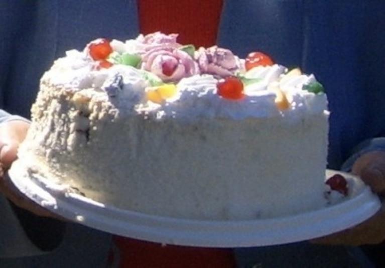 Tort z masą brzoskwiniowo-czekoladową