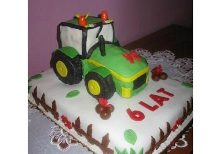 Tort z traktorem