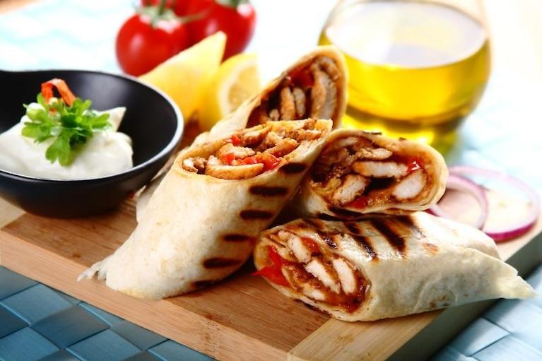 Tortilla Z Kurczakiem Z Grilla Przepis Zobacz Na Przepisy Pl