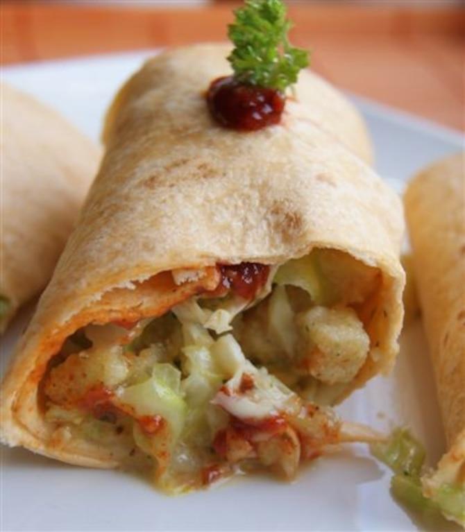 Tortilla z meksykańskimi nuggetsami