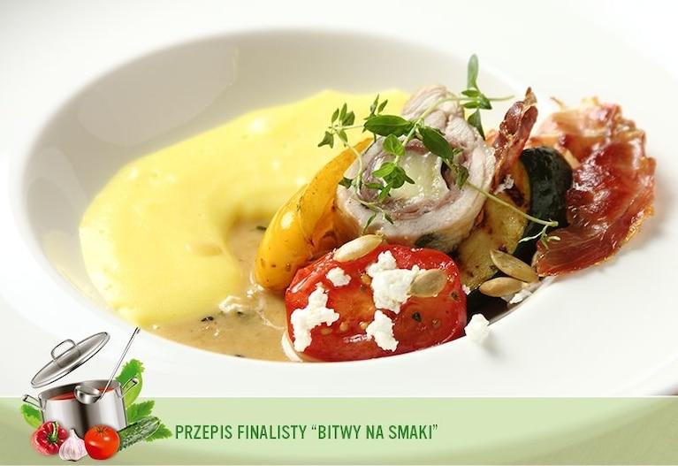 Wariacja na temat kurczaka na lekkim puree szafranowym z sałatką z grillowanych warzyw