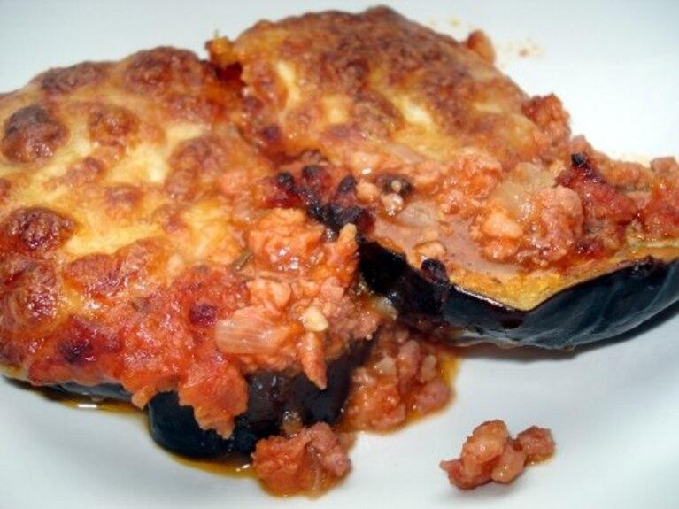Zapiekanka z bakłażana i mięsa mielonego