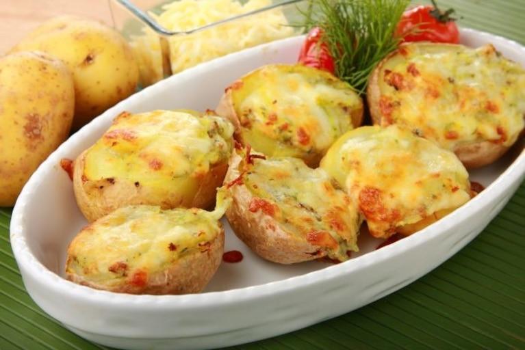 Ziemniak pieczony z serem
