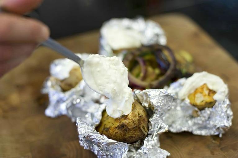 Ziemniaki z koprem włoskim i śmietaną