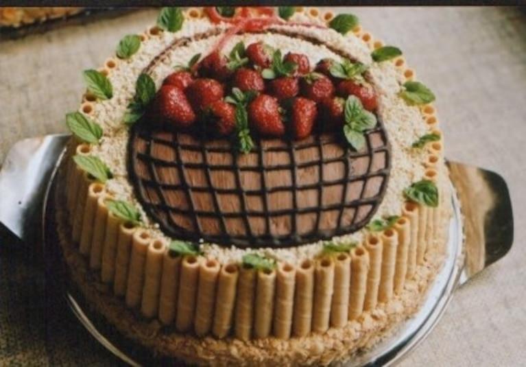 Zimny tort owocowy