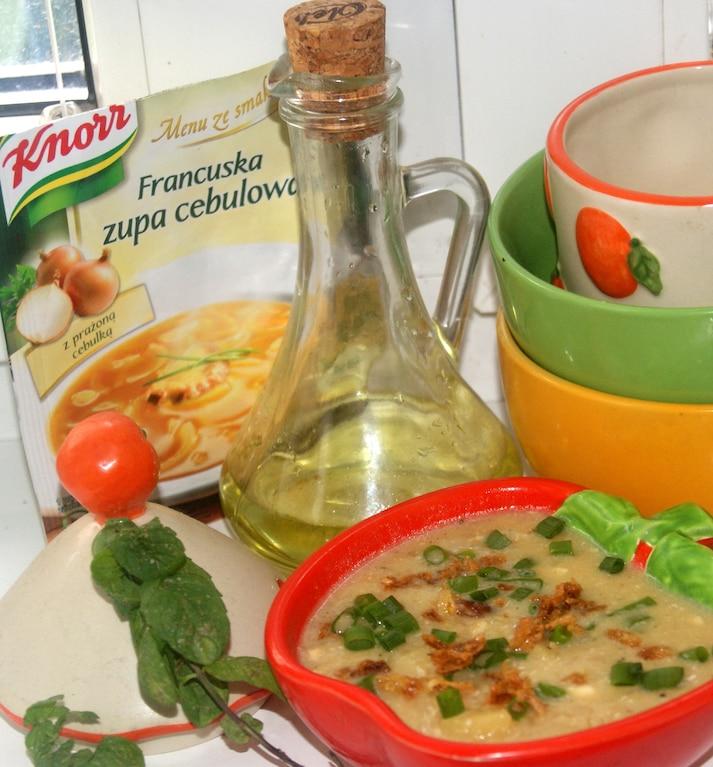 Zupa cebulowa wzbogacona