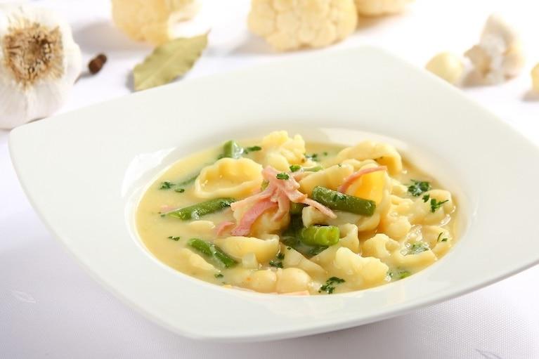 Zupa jarzynowa z szynką