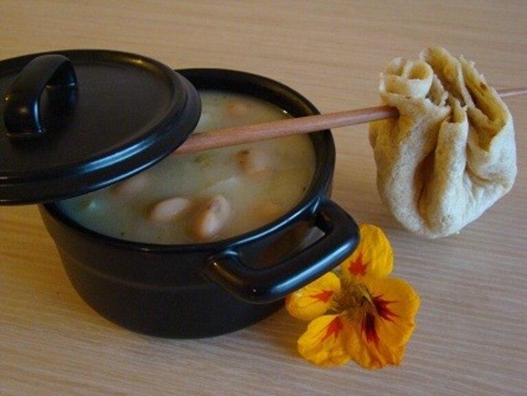 Zupa jaś wędrowniczek w ogórkach