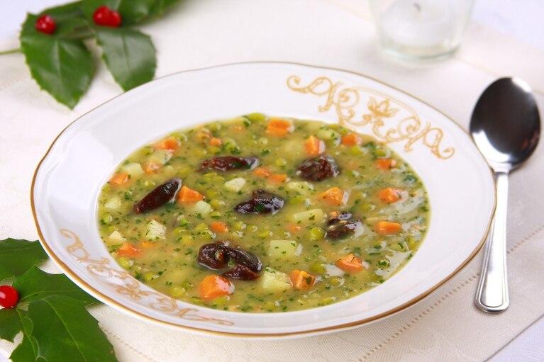 Zupa wigilijna z zielonego groszku