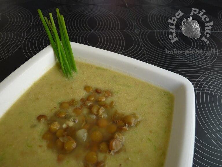 Zupa z cukinią i soczewicą