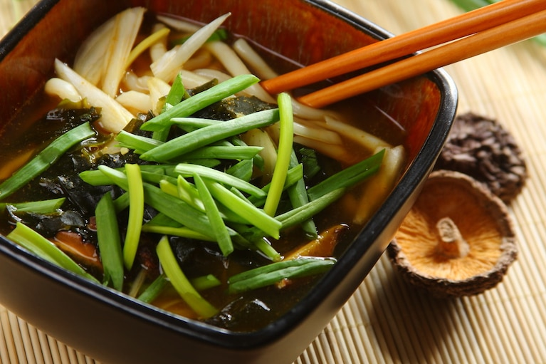 Zupa z makaronem udon